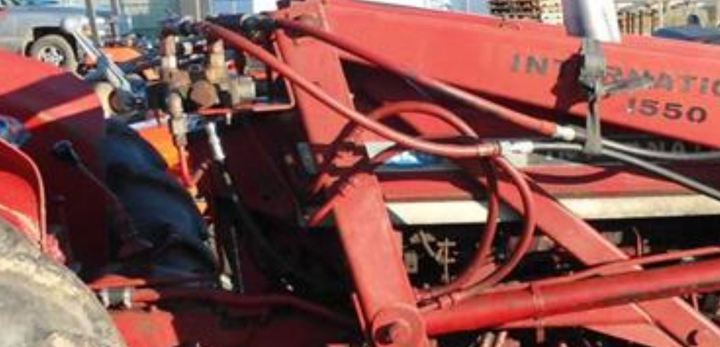 International 384 remote hydraulic - Yesterday's Tractors