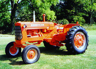 Antique Tractor Shed - Allis Chalmers AC D17 on