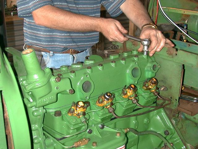 sealing rocker shaft in