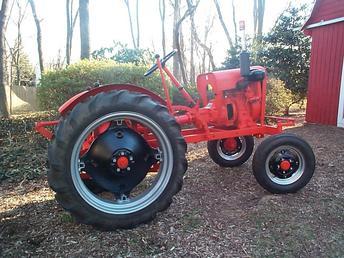 Antique Tractors 1961 Economy Tractor Picture