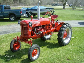 yesterday 39 s tractors tractor profile farmall cub. Black Bedroom Furniture Sets. Home Design Ideas